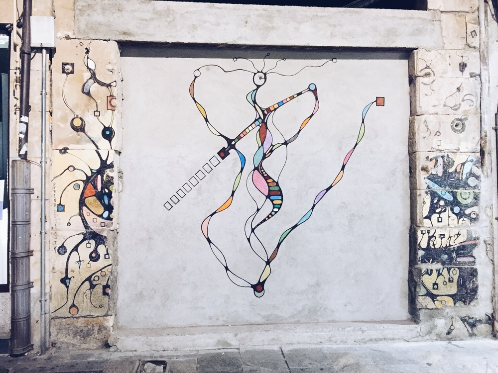 {Pretty Spanish graffiti in Salamanca}