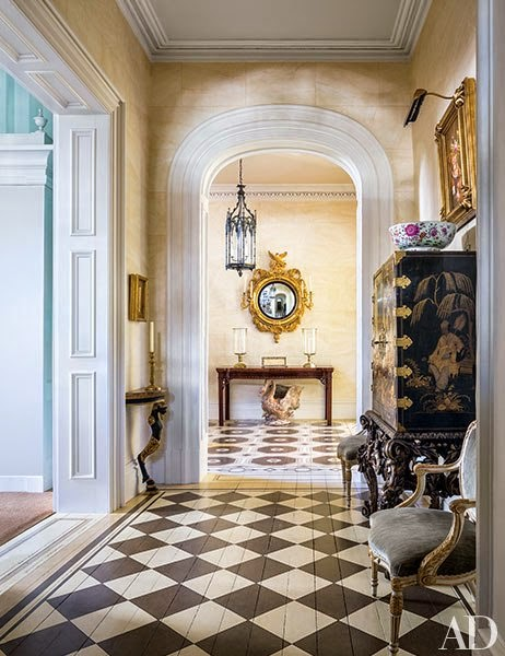 southern-charm-patricia-altschul-entry-way-charleston.jpg