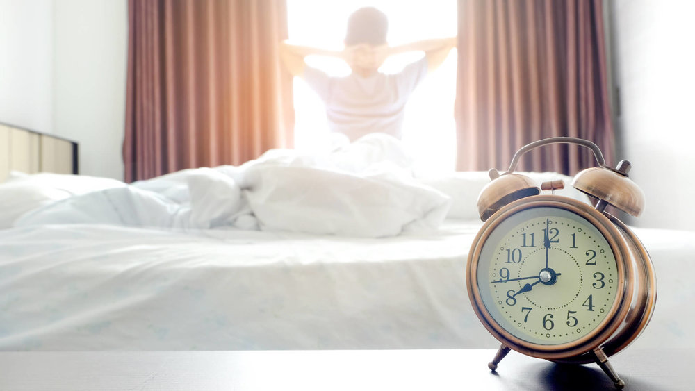 alarm-clock-early-morning_when-is-the-best-time-to-move