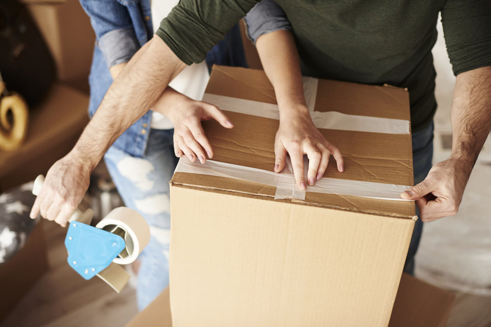 taping box - how to pack and move in a hurry