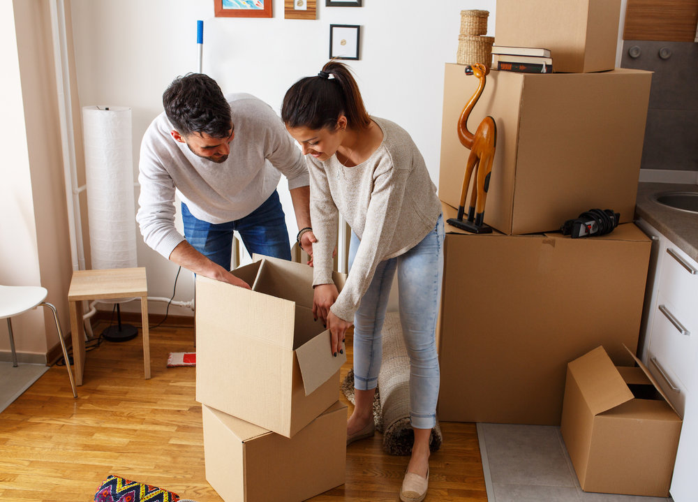 couple-unpacking_how-to-buy-in-bulk .jpg