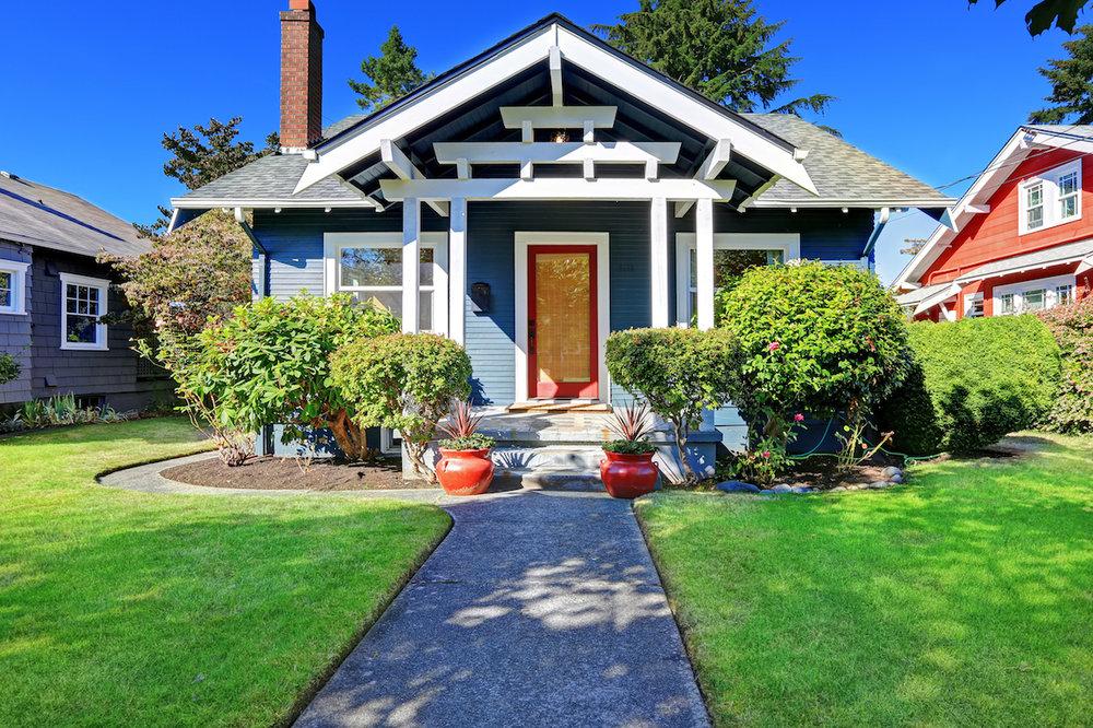 landscaped-house_home-seller-checklist.jpg