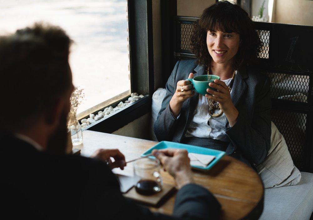 woman-meeting_home-seller-checklist.jpg