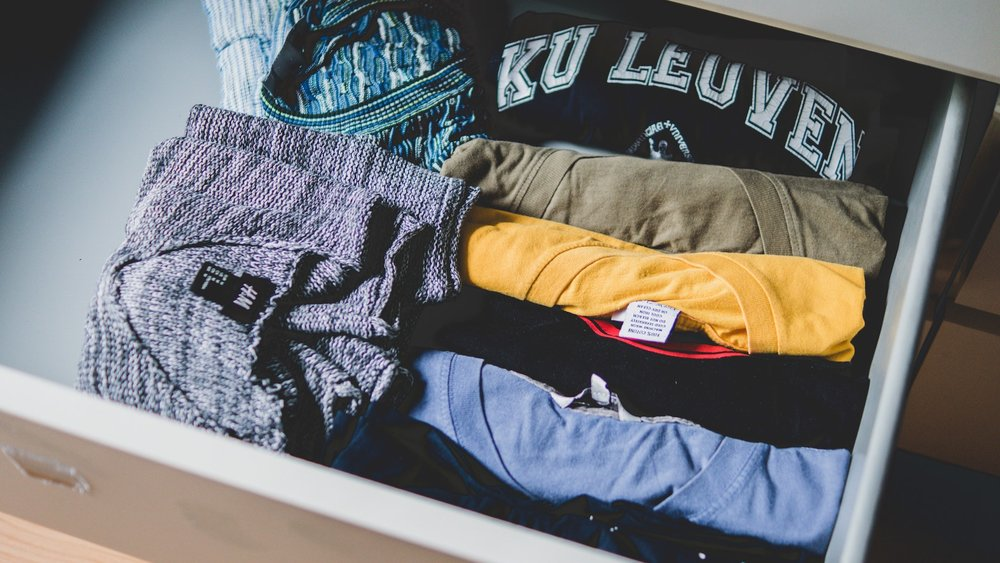 clothes-drawer-how-to-pack-clothes-for-moving.jpg