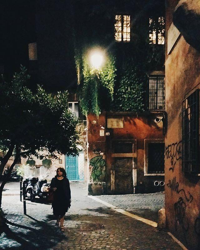 #trastevere #street #night #italy #rome #roma