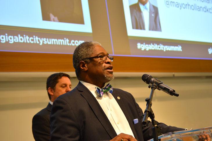 Mayor Sly James opens the Gigabit City Summit