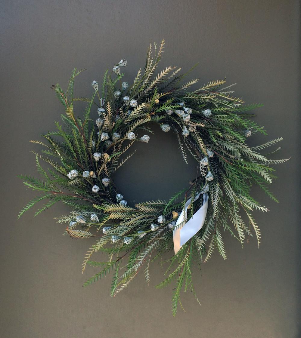 wreath_silver.jpg