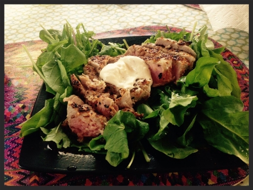 Seared tuna on arugula salad