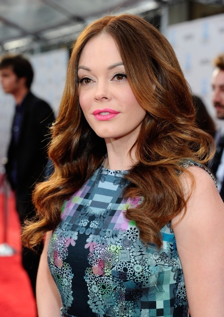 rose_mcgowan_rose_mcgowan_t_c_m_film_festival_40th_anniversary_premiere_of_cabaret_in_hollywood_12_april_2012_Gg7W93b.sized.jpg