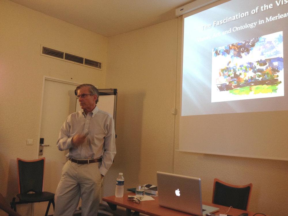 Bro Adams lecturing at Aix-en-Provence. Photo by Simonetta Moro.