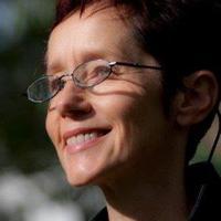 Dr. Ewa Ziarek