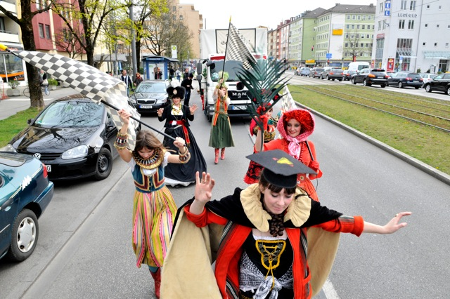 Anna McCarthy, Heute Nachmittag, als wir noch an was glaubten, performance/parade, munich, march 31, 2014