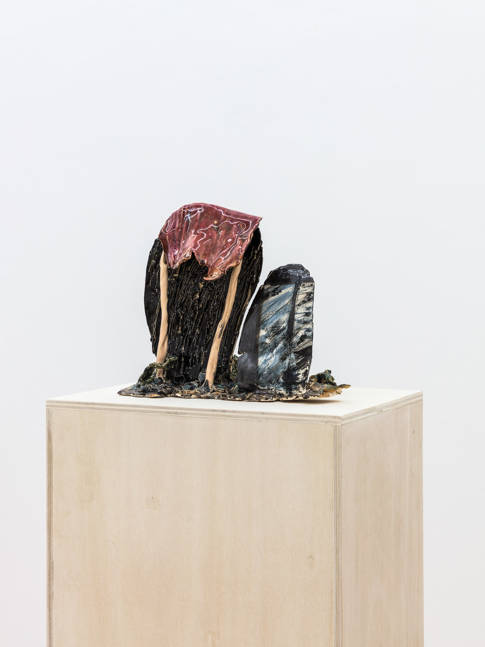 Veronika Hilger, untitled, 2017, ceramic, glazed, 22,2 x 27 x 11,7 cm