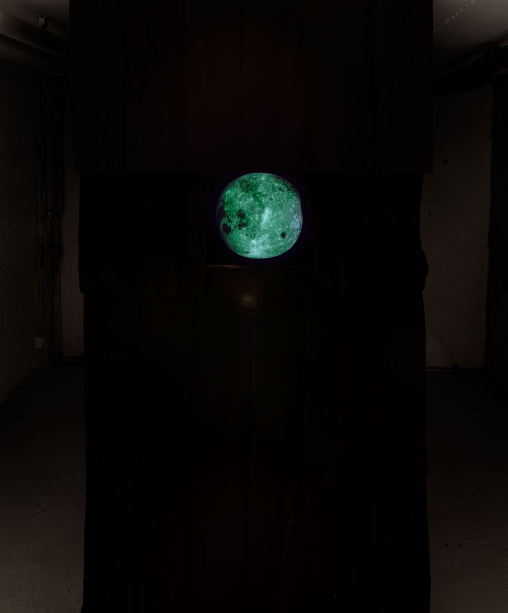 Anna McCarthy, Sick Moon, 2018, Installation, dimensions variable, HD Video, 13 min