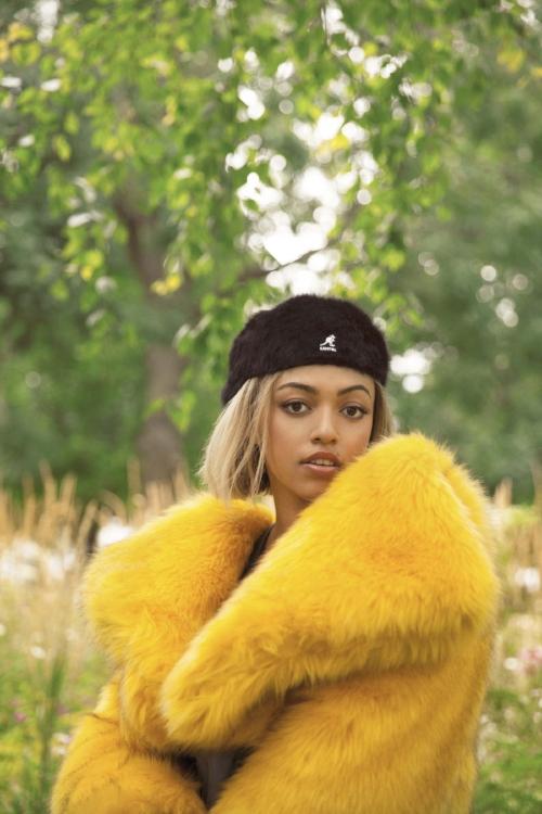 Singer-songwriter Mahalia styled for Notion