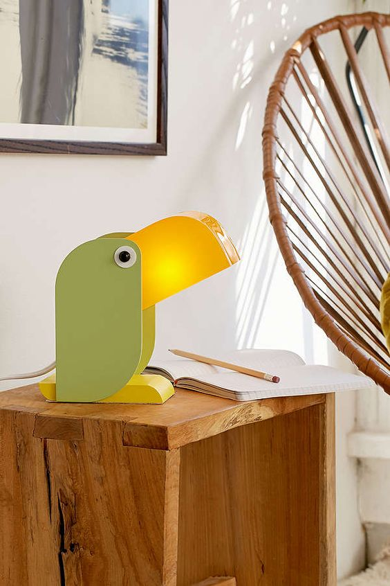 toucan lamp.jpg