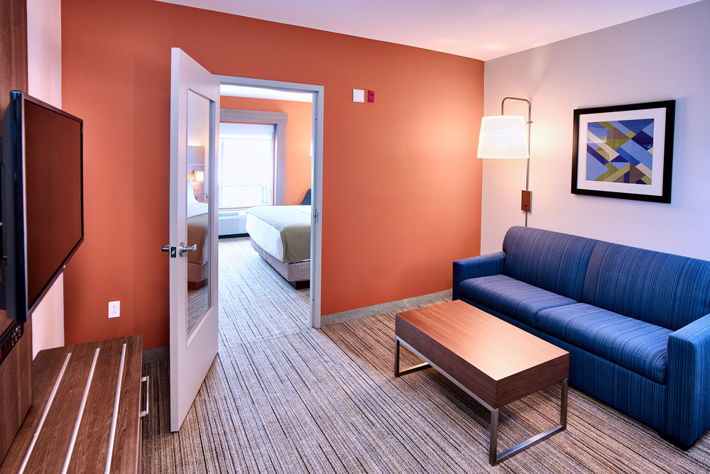 Holiday Inn Express - Room 1 C.jpg