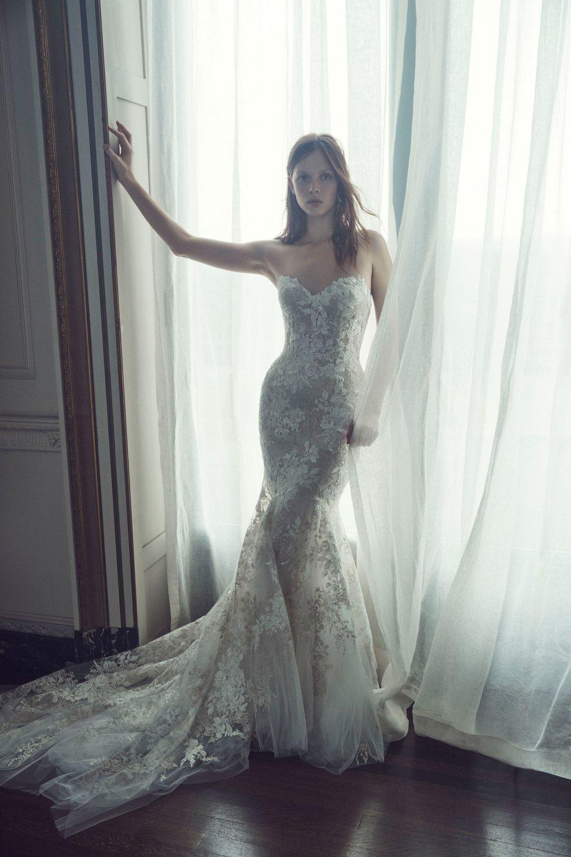 00004-monique-lhuilier-fall-2019-bridal.jpg
