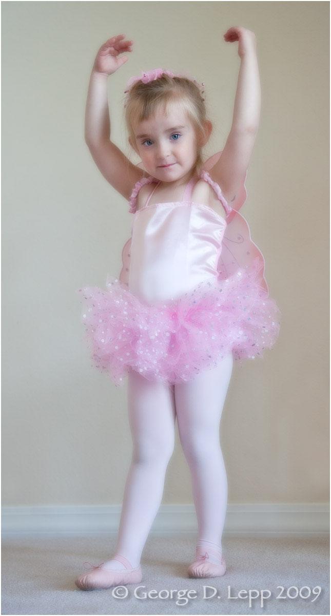 Jolie ballet, 2009. UP-RF-JO-1003