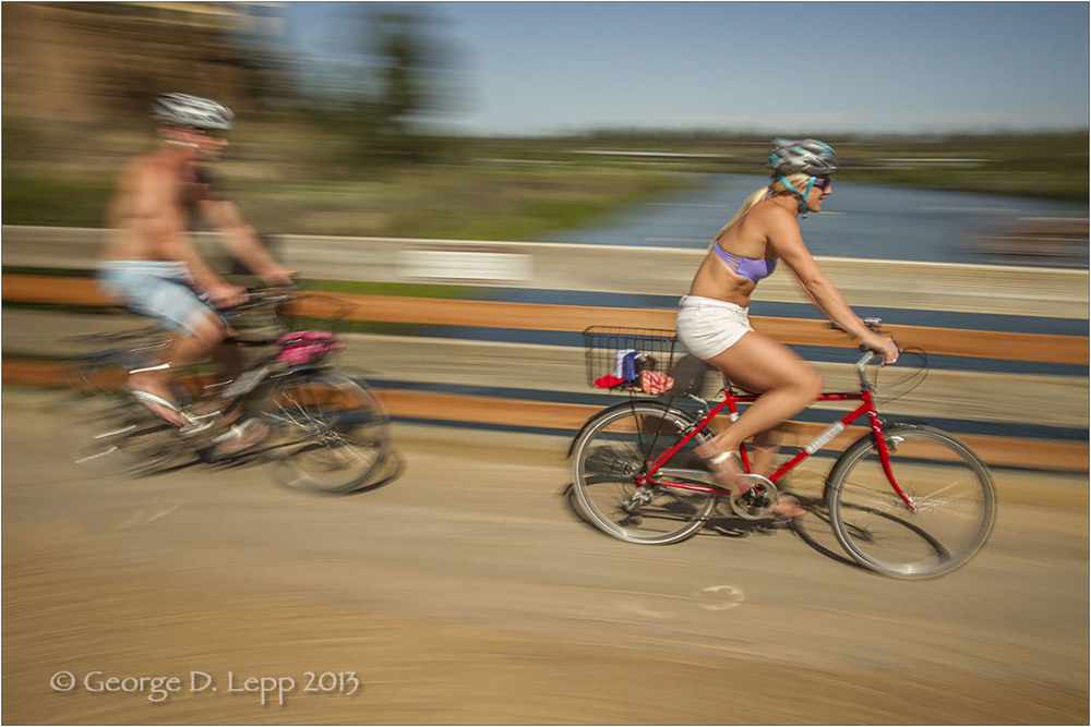 Biking along the Deschutes River, Bend, OR. © George D. Lepp 2013  LO-CE-BE-0123