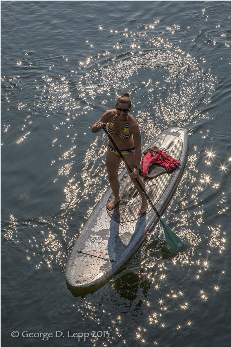 Paddle Boarding on the Deschutes River, Bend, OR. © George D. Lepp 2013  LO-CE-BE-0123
