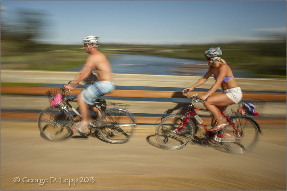 Biking along the Deschutes River, Bend, OR. © George D. Lepp 2013  LO-CE-BE-0121