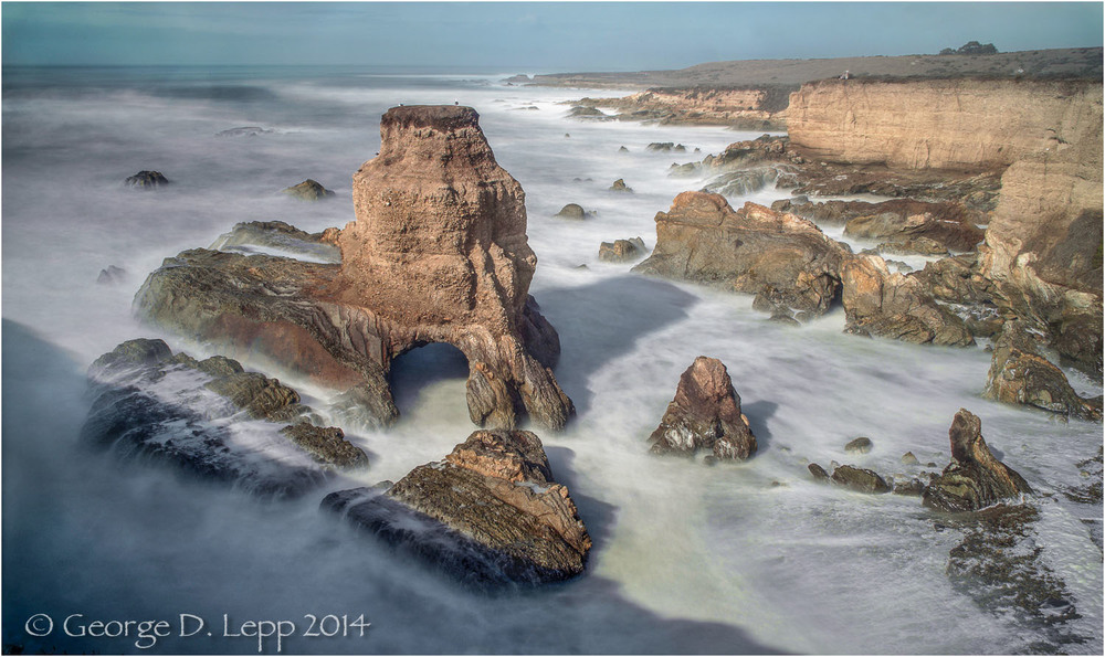 Coastline at Montana de Morro, CA. © George D. Lepp 2014 LC-CC-MD-0076