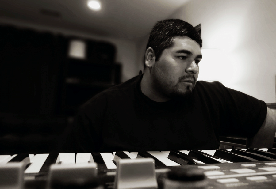 Truncate / Audio Injection _ Modularz Production & Remix Projects - Edificio, Contrasts & Programma Since being introduced to electronic music back in the early 90's, Audio Injection has been hooked. At the early age of 15 he started Djing and playing out at local underground events and raves around the Southern California area. You would find him spinning various styles from house, acid, & techno. After years of Djing he then decided to learn to produce his own music, which landed him various releases under his original artist name Audio Injection. After a couple of years when Developer was starting his new label Modularz David had been working on some new material to release under a different name and ended up debuting the project with his first Ep on Modularz (Modularz 02 - Contrasts) followed by the launch of his own Label Truncate records.   http://www.residentadvisor.net/dj/truncate