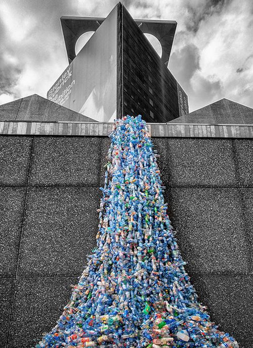 Whang_Zhiuyan_Installation_Plastic_Bottles1.jpg