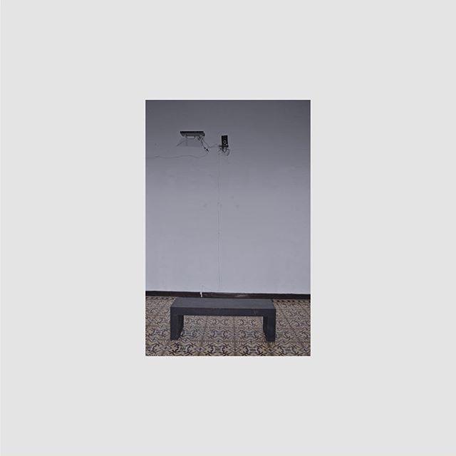 Insomnia | David Vélez @everyday_sonic_catastrophes  Instalación x 4 canales . . . . #CuatroDieciocho #ArteExpandido #sound #audio #sketch #painting #draw #instaart #recording #audioengineer #ovosound #ovoxo #drizzydrake #aubrey #creative #aubreydrakegraham #recordingstudio #teamdrake #arte #loud #topszn #aubreygraham #drizzy #listen #ink #streetart