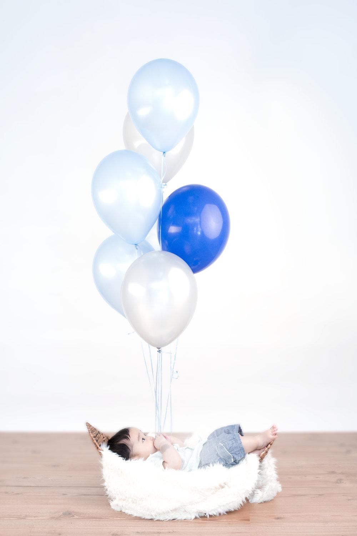 ayden_balloons02.jpg
