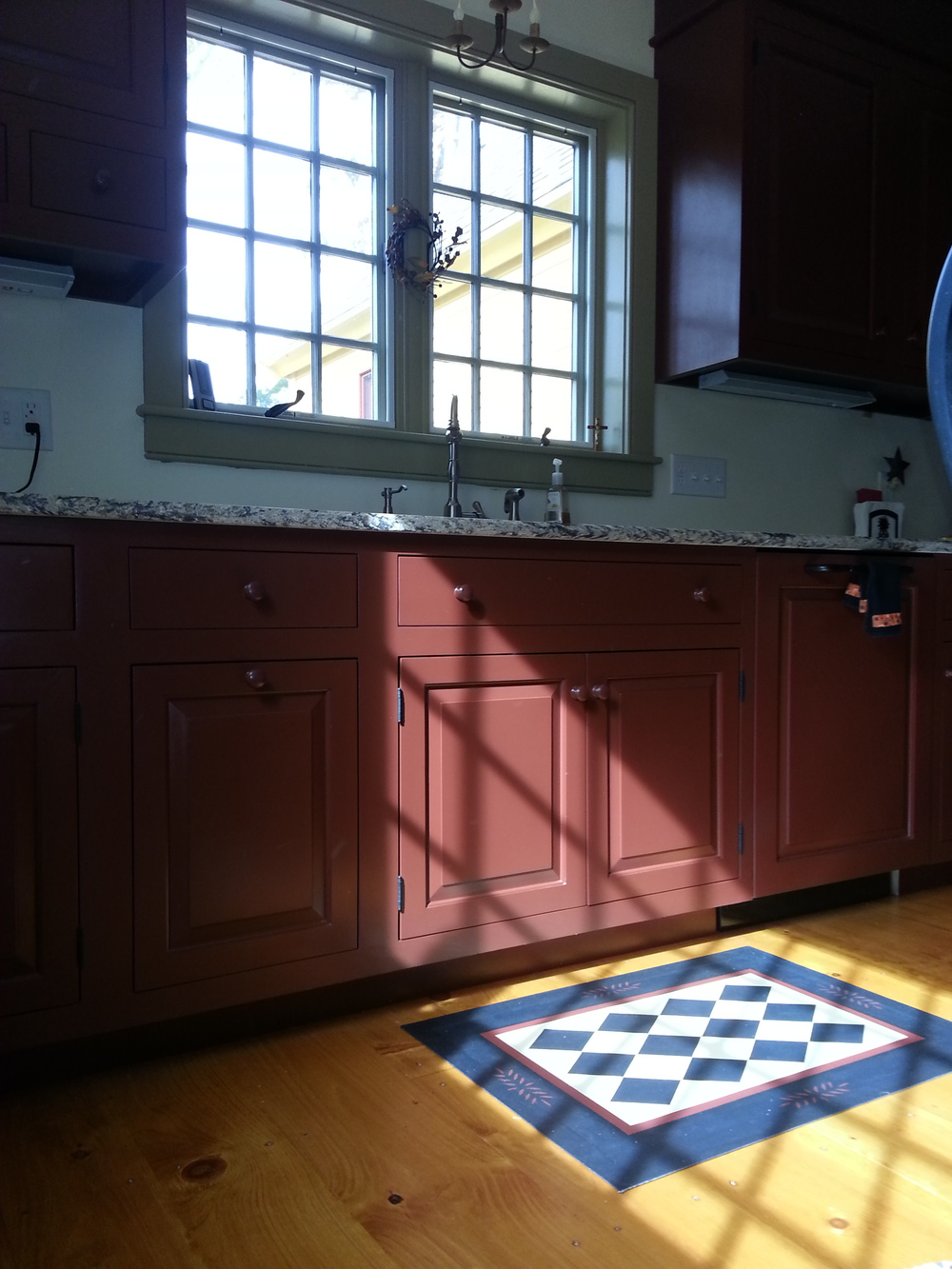 Classic Colonial Homes Interior Kitchen with Floorcloth