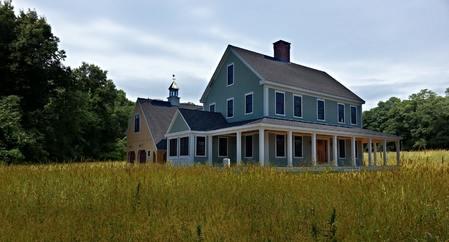 The Farmhouse Colonial Exterior Trim And Siding The Farmhousecolonial Widows And Doors The