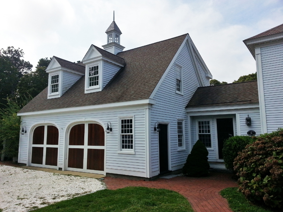 The federal colonial exterior trim and siding the for Classic colonial homes
