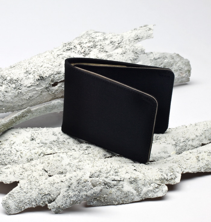 Like Blu Salt, NAU is committed to producing products out of eco-friendly materials and to contribute back to society through philanthropy. Their Billfold wallet is water resistant and made of 100% recycled polyester. A well-designed wallet, a wonderfully eco-friendly product and supporting a worthy cause -- not much more you could ask for out of a gift.