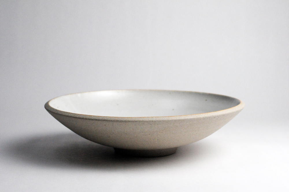 bowl_rounded _serving_bmix sand_white interior.jpg
