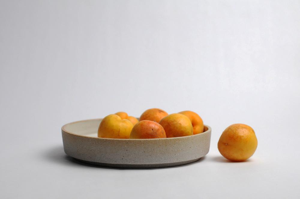 bowl_shallow_straight_bmixsand_majolica1.jpg