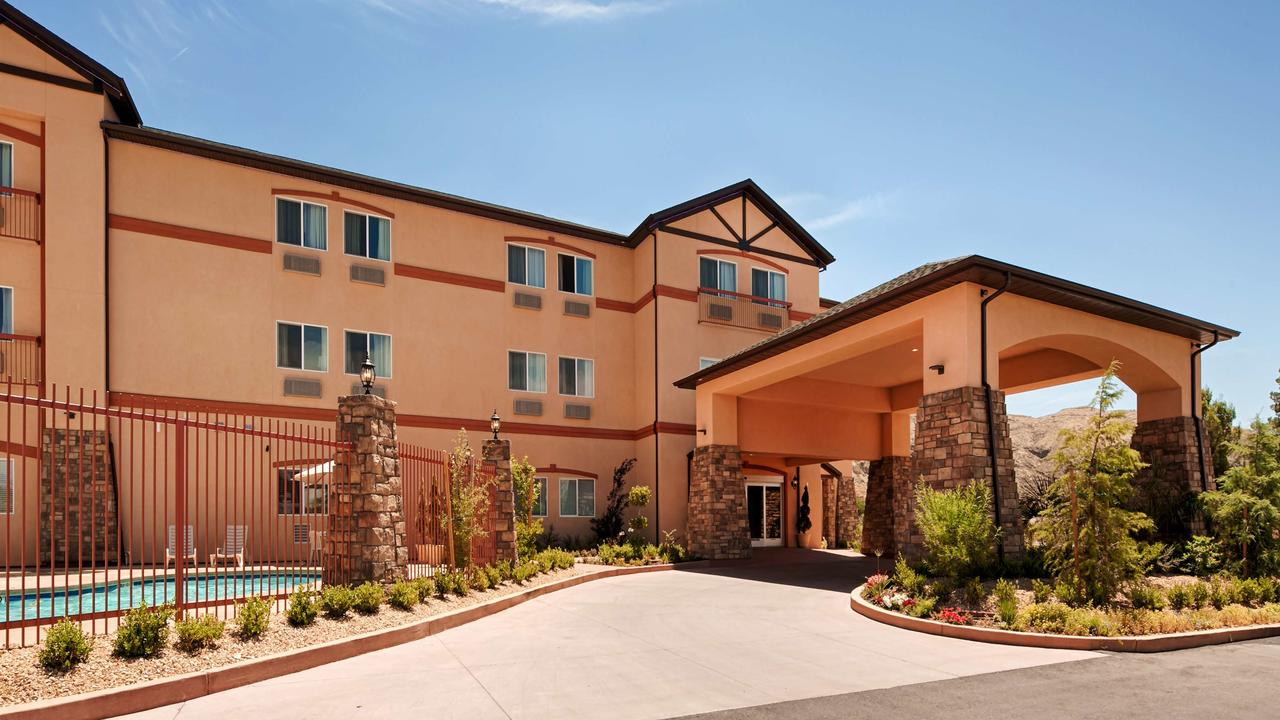 Comfortable Hotel Near Zion National Park In Utah