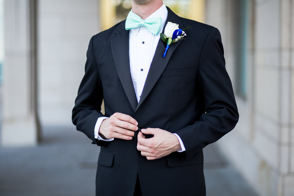 Tuxedo Faqs - Have questions about how to rent your tuxedo? We can help!