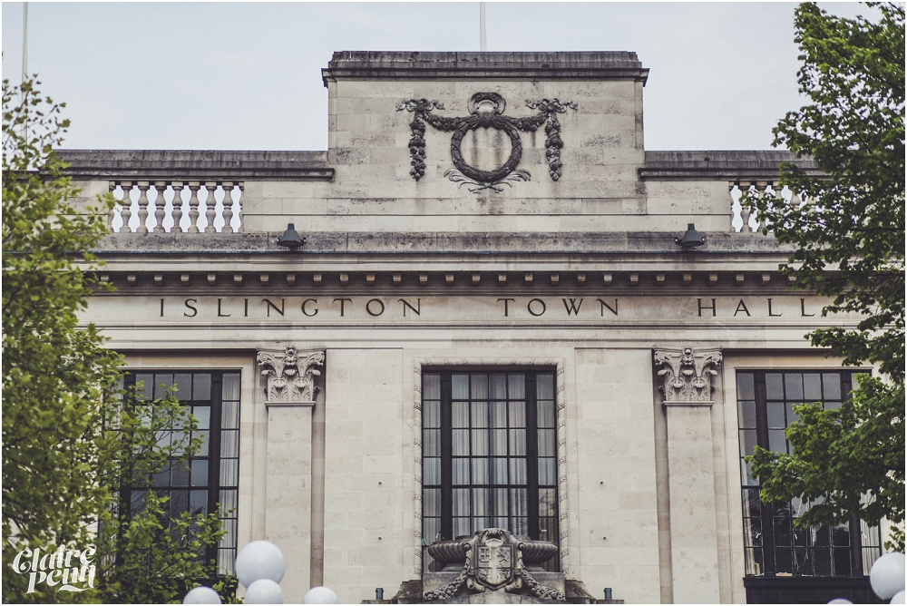 Relaxed wedding on the Thames - Islington Town Hall and The Oyster Shed, London_0013.jpg