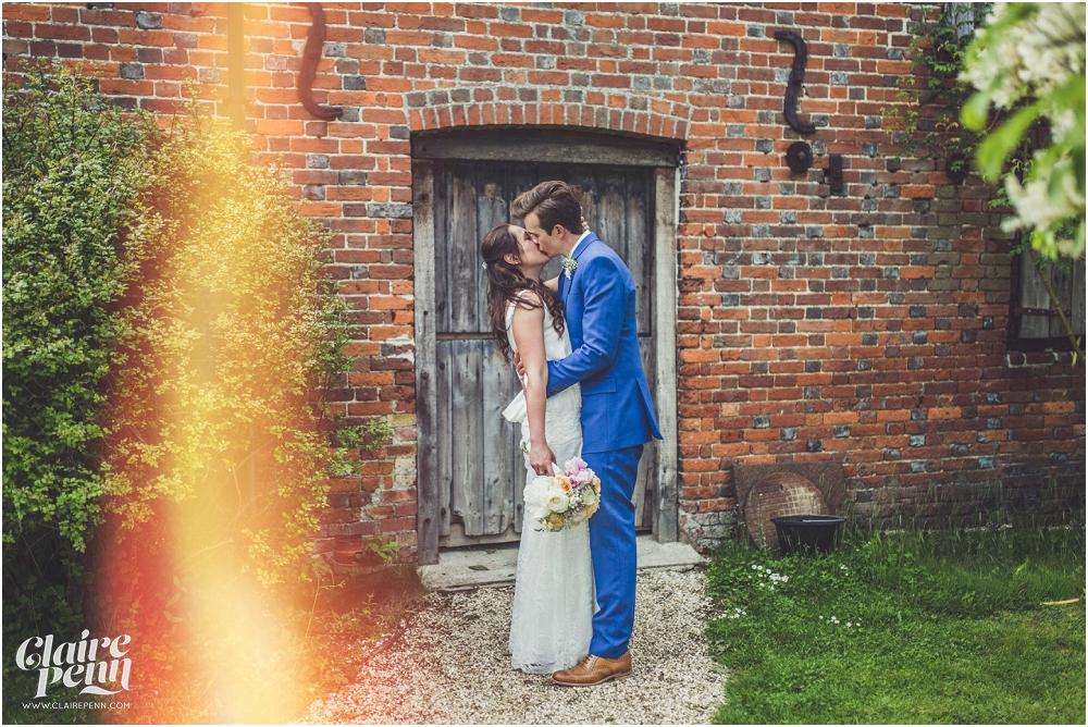 Creative, rustic North Hidden Farm barn wedding in Hungerford Berkshire_0032.jpg
