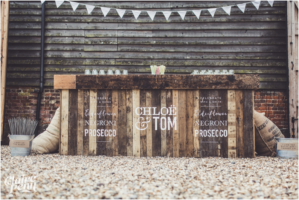 Creative, rustic North Hidden Farm barn wedding in Hungerford Berkshire_0045.jpg