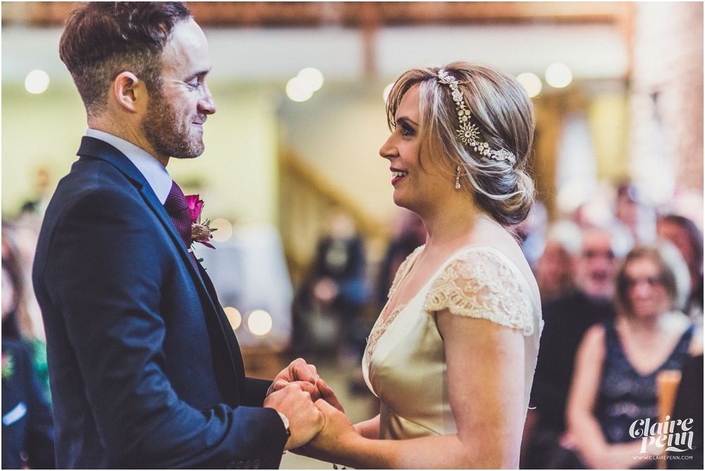 Barn wedding Staffordshire_0014.jpg