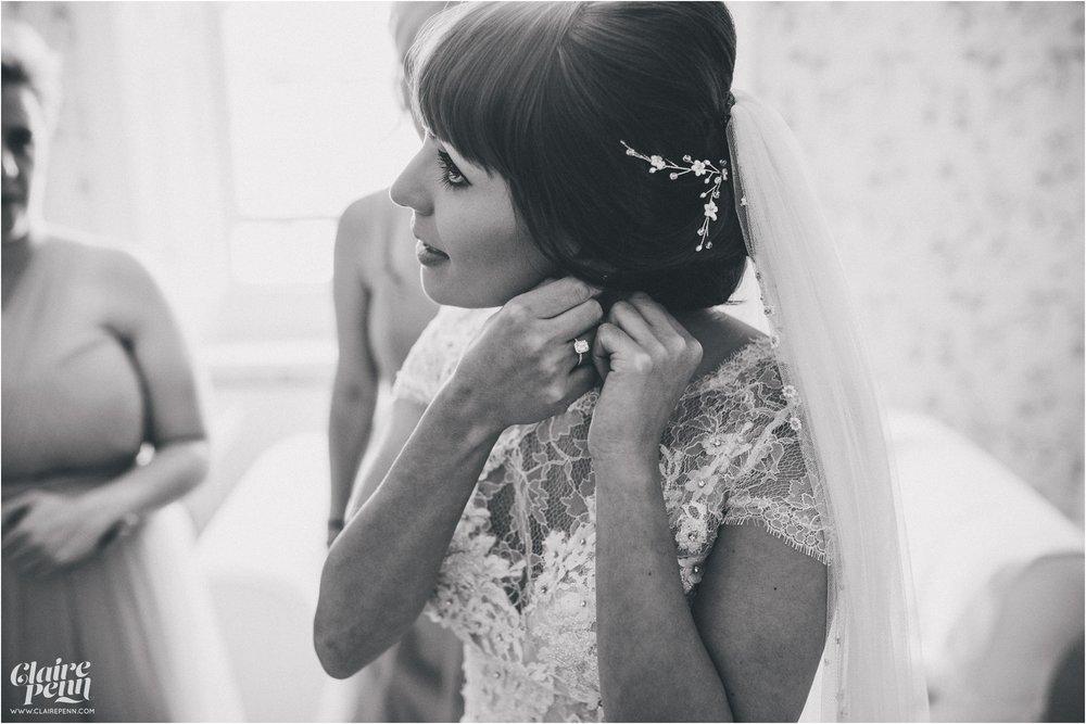 Hazel Gap Barn wedding Nottinghamshire_0016.jpg