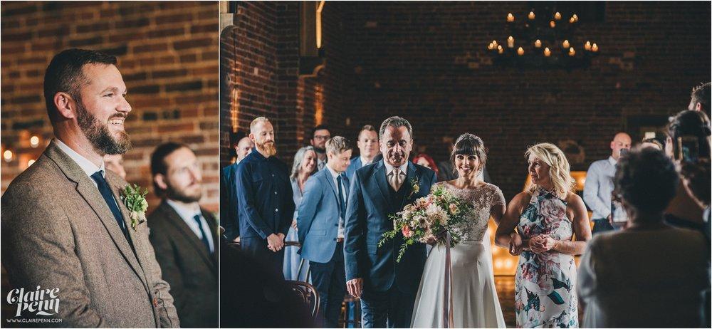Hazel Gap Barn wedding Nottinghamshire_0021.jpg