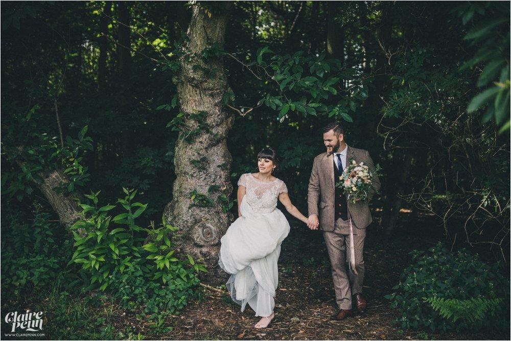 Hazel Gap Barn wedding Nottinghamshire_0034.jpg
