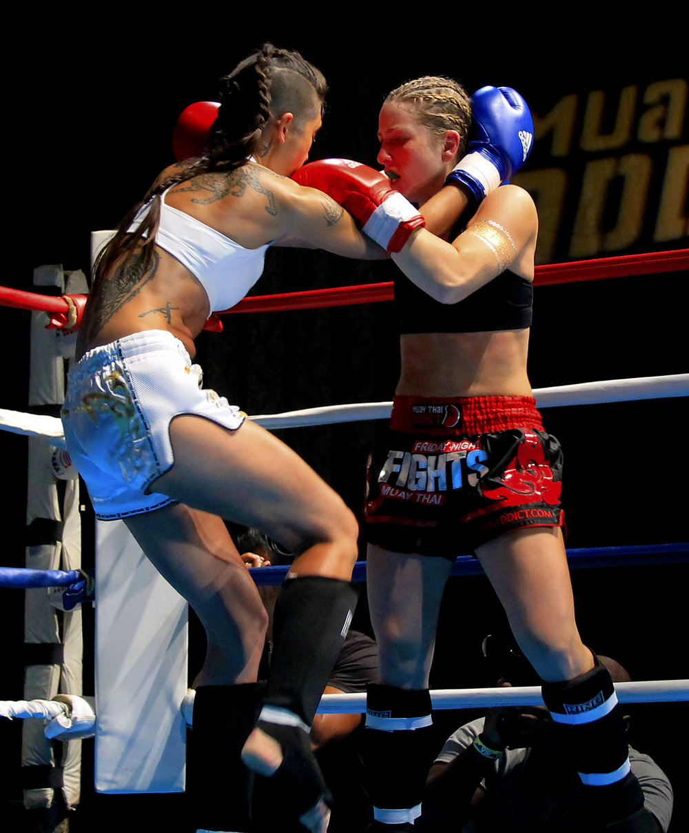 Female-fight-sports-photography-vickygood