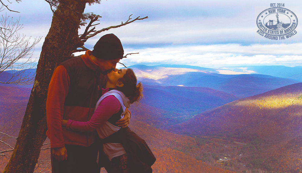 vickygood_photography_bear mt_ny_travel_kiss.JPG.jpg