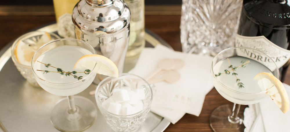 PHOTO: ALY CARROLL PHOTOGRAPHY   |   NAPKINS & DRINK STIRRERS: PINK PRINT COMPANY