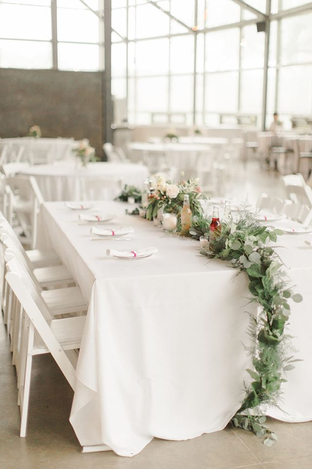 PHOTO:  ALY CARROLL PHOTOGRAPHY   |  FLORALS:  SHELLY SARVER DESIGNS